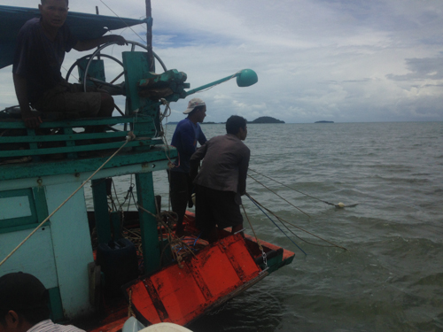 Illegal fishing in Kep